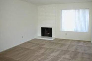 3 Bedroom Downstairs Fireplace